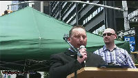 Anders Gravers taler til Ground Zero demo i New York (2010)